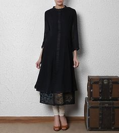 Designer Boutiques in Jalandhar,Punjab,India Indian Attire, Indian Ethnic Wear, Pakistani Outfits, Indian Outfits, India Fashion, Asian Fashion, Kurti Styles, Kurta Designs, Culture