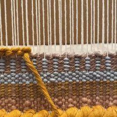 Macrame Wall Hanging Patterns, Weaving Wall Hanging, Macrame Patterns, Weaving Patterns, Weaving Loom Diy, Weaving Art, Tapestry Weaving, Hand Weaving, Peg Loom