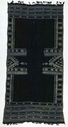 Africa | Shawl ~ bakhung ~ from the Berber people living in Douz, Kebili governorate, Tunisia | ca. Mid 20th century | Wool and cotton