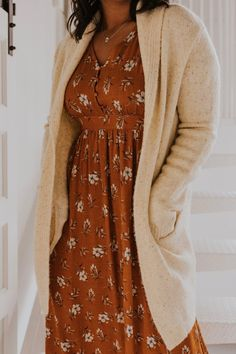 Knit Sweater Cardigan Outfits - Orange Floral Maxi Dress - Autumn Outfit Ideas - Fall Outfits for Women - Layering Outfit Inspiration for Summer Fall - Best Black Friday Shopping Deals Casual Skirt Outfits, Layering Outfits, Cardigan Outfits, Dress With Cardigan, The Dress, Stylish Outfits, Fall Outfits, Sweater Cardigan, Cream Cardigan