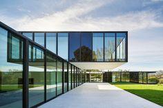 Gallery of OZ House / Stanley Saitowitz | Natoma Architects - 4