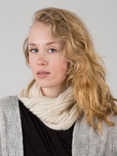 The Puffy Cable Cowl Kit contains everything you need to make a wonderful winter accessory.