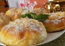Šlehačkové koláčky Slovak Recipes, Czech Recipes, Russian Recipes, Challa Bread, Hard Bread, Eastern European Recipes, Sweet Bakery, Special Recipes, Desert Recipes