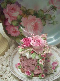 (CHDOTPC) Fake Food Slice of Cake Shabby Pink Roses Victorian