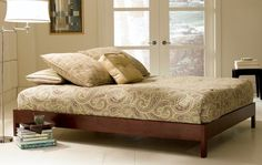 "Amazon.com: King Murray Platform Bed in Mahogany (Mahogany) (11""H x 79""W x 81""D): Furniture & Decor"