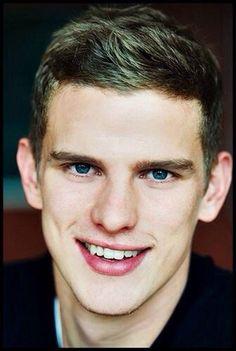 Sven Bender ❤️ Football Boyfriend, German Boys, Love Of My Life, My Love, Soccer Players, My Man, Future Husband, Twins, Guys