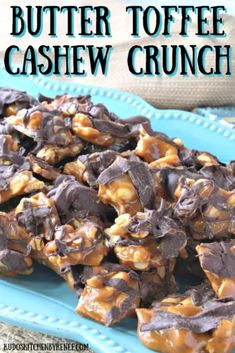 Homemade Butter Toffee Cashew Crunch When you care enough to give the very best, this recipe for butter toffee cashew crunch candy should be at the very top of your gift-giving list. Homemade Toffee, Homemade Butter, Homemade Candies, Homemade Candy Recipes, Nut Recipes, Sweet Recipes, Baking Recipes, Dessert Recipes, Sweets