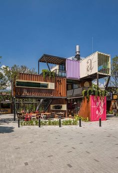 Food PLace on Behance Medellin, Colombia Container Home Designs, Container Van, Building A Container Home, Container Buildings, Tyni House, Container Restaurant, Casas Containers, Storage Containers, Urban Loft