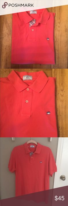 Men's Southern Tide Polo Southern Tide men's Skipjack polo, salmon colored. In perfect condition, all buttons are intact, and there are no rips/stains/tears. Offers are always welcome✨ Southern Tide Shirts Polos
