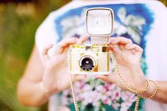 Diana Mini Gold Edition (http://shop.lomography.com/cameras/diana-f-cameras/diana-mini-cameras/diana-mini-gold-edition)