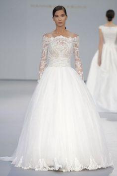 Vestidos de novia Hannibal Laguna 2017: los diseños tradicionales son tendencia Image: 8