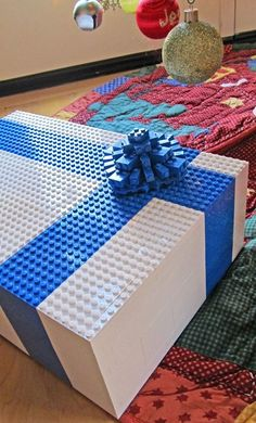 DIY Lego Gift Box made out of legos.  Fantastic for a Lego Birthday party!