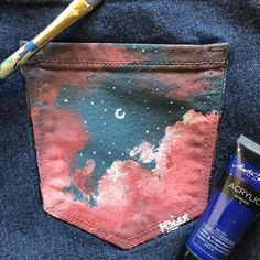 diy clothes upcycle / diy clothes ` diy clothes refashion ` diy clothes no sewing ` diy clothes rack ` diy clothes videos ` diy clothes line outside ` diy clothes upcycle ` diy clothes refashion no sew Painted Denim Jacket, Painted Jeans, Painted Clothes, Diy Clothes Paint, Fashion Mode, Diy Fashion, Fashion Outfits, Diy Clothing, Custom Clothes