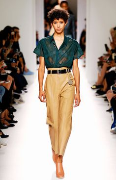 """The """"Dad"""" Trousers That Will Replace Your Skinny Jeans This Year via @WhoWhatWearUK"""