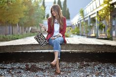 BURGUNDY – Mi Aventura Con La Moda Boyfriend Jeans, Blazer Fashion, Burgundy, Outfits, Style, Mantle, Military Coats, Adventure, Outfit