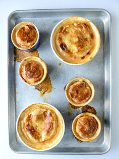 Have you ever tried lobster pot pie? This looks like a great recipe for it I howsweeteats.com