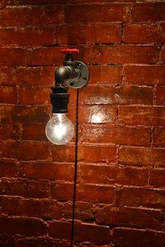 Parete luce industriale Steampunk Sconce di WestNinthVintage