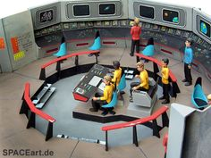 star trek bridge | Star Trek: TOS Commando Bridge, Model kit ... http://spaceart.de ...