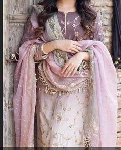 Beautiful Pakistani Dresses, Pakistani Bridal Dresses, Pakistani Dress Design, Embroidery Suits Punjabi, Winter Chic, Food Platters, Indian Suits, Wardrobes, Islamic Quotes
