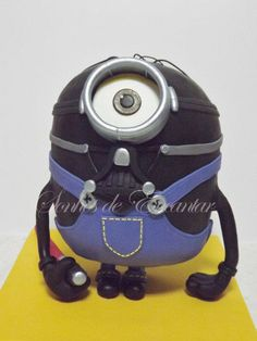 Minion Darth Vader cake my boyfriend loves Darth Vader, and find minions very funny , so here is a good mix. welcome minion side of the force Sónia Neto https://www.facebook.com/pages/Sonhos-de-Encantar-bolos-decorados/220569271419369?ref=hl