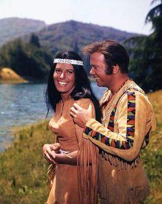 "Star Trek: ""The Paradise Syndrome"" Sabrina Scharf and William Shatner Star Trek 1966, Star Trek Tv, Star Wars, Star Trek Original Series, Star Trek Series, Tv Series, Star Trek Images, Star Trek Characters, William Shatner"