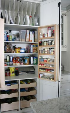 Smart Kitchen Pantry Designs That Can Inspire You Smart Kitchen, Corner Kitchen Pantry, Kitchen Wall Storage, Kitchen Pantry Design, Kitchen Pantry Cabinets, Pantry Storage, Kitchen Shelves, Kitchen Organization, New Kitchen