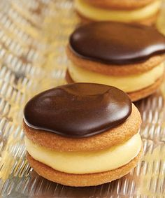 Mini Boston Cream Pies recipe - These mini cream pies are perfect for entertaining!  #Desserts #PartyFood #Chocolate