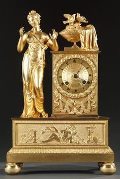 Reloj de mesa en bronce, (Francia) época neoclasicista.