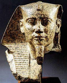 Volto di Cheope; metà del III millennio a.C., Antico Regno; granito scolpito a tutto tondo; da Giza.