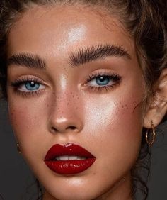 Makeup # – # & # @ _ moyap_ # (lip # # & # ♥ ️… - Lippen Make-Up Makeup Tricks, Fall Makeup, Lip Makeup, Makeup Glowy, Makeup Brushes, Vogue Makeup, Freckles Makeup, Highlighter Makeup, Summer Makeup