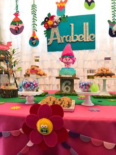 Arabelle's Trolls 6th Birthday Party | CatchMyParty.com