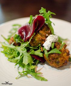 Zucchini fritters, pickled beetroot, house made labne | The Precinct Vic Park | Food & Travel Blog | Gluten Free