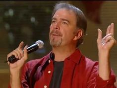 Bill Engvall: When MLB fantasy camp goes wrong. My wife bought me a fantasy camp. Apparently our definition of fantasy is different. she was thinking baseb. Funny Shit, Funny Stuff, Funny Memes, Jokes, Mlb Fantasy, Stand Up Comedy Videos, Bill Engvall, Senior Humor, Comedy Song