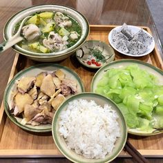 Dessert Drinks, Desserts, Daily Meals, Food Presentation, Potato Salad, Seafood, Asian, Chicken, Meat