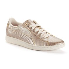 6d0bf23326f 10 Best Posh Sneakers outfit images