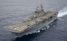 The amphibious assault ship USS Essex (LHD 2)
