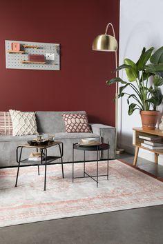 living room ideas – New Ideas Burgundy Living Room, Living Room Red, Living Room Colors, Apartment Decorating On A Budget, Red Walls, Modern Carpet, Carpet Design, Apartment Interior, Wall Colors