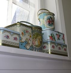 Just a few vintage tins.