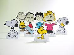 Peças 3D para decoração de mesa,. tema Snoopy e sua turma Altura: 10.50 cm Largura: 6.00 cm Comprimento: 5.00 cm