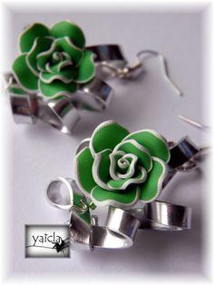 pendientes en hilo de aluminio plano y flores de porcelana