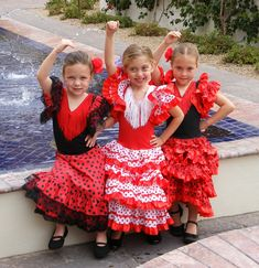 flamenco dancers in spain | Las Muñecas de Flamenco del Sol (Left to Right) Kaitlyn King, 5 Maya ...