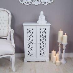 Biała, stylowa komoda | White, stylish commode #komoda #meble #sypialnia #stylowa #rustykalna #romantyczna #commode #furniture #white #bedroom #rustic #romantic #stylish