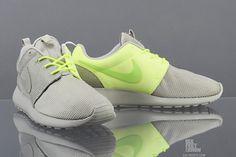 3876536870bf Nike Roshe Run (Qs Split Pack) - Sneaker Freaker