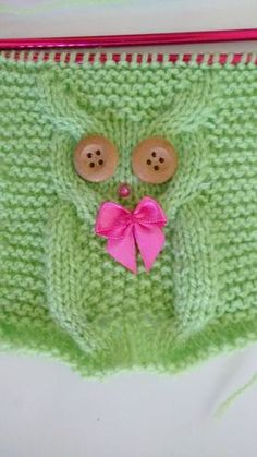 I found this owl in a knitting cap, on the KatyTricot website,. Owl Recipe T … - Everything About Knitting Baby Knitting Patterns, Knitting For Kids, Easy Knitting, Knitting Stitches, Crochet Patterns, Crochet Diy, Crochet Hats, Diy Crafts Knitting, Knitting Projects