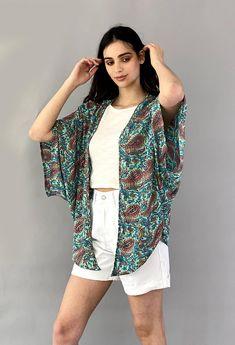 SERENA SHORT KIMONO Short Kimono, Kimono Top, Textiles, Street Style, Shirts, Tops, Women, Fashion, Moda