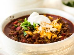 Easy spicy beef chili is thick & robust. No skimpy spices at all. This chili is so rich in flavor with just the right amount of kick! Good Meatloaf Recipe, Best Meatloaf, Meatloaf Recipes, Steak Recipes, Chili Recipes, Soup Recipes, Recipies, Cooking Recipes, Pan Seared Chicken Thighs