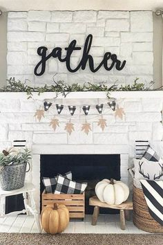 Use buffalo check to create a warm and cozy feeling in your home during the fall and winter months. It is the perfect modern farmhouse decor. Farmhouse Decor, Cottages, Country Farmhouse Decor, Country Home Decorating