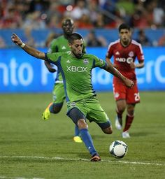 Dempsey makes first start in Rave Green - Seattle Sounders Football Club