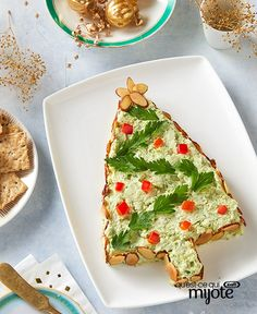 Whip up a tasty Pesto Cream Cheese Tree for a festive holiday event appetizer from My Food and Family. Mold your pesto cream cheese into a tree shape and top it with sliced almonds and red peppers to look like tree ornaments. Holiday Appetizers, Appetizer Recipes, Holiday Recipes, Christmas Recipes, Kraft Recipes, Cheese Tree, Cheese Lover, Pesto Recipe, Tasty Bites