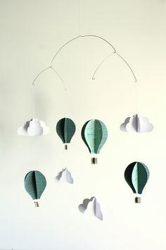 mobile en papier montgolfi res et nuages diy chambre enfant pinterest mobiles tags et d co. Black Bedroom Furniture Sets. Home Design Ideas
